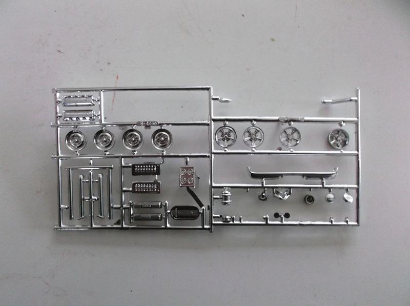 MUSTANG COBRASHELBY GT 500 ech 1/24ème ref L 738 01112