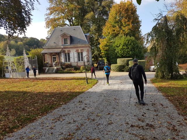 """une marche avec les 'cannes """" à Ry 20181015"""