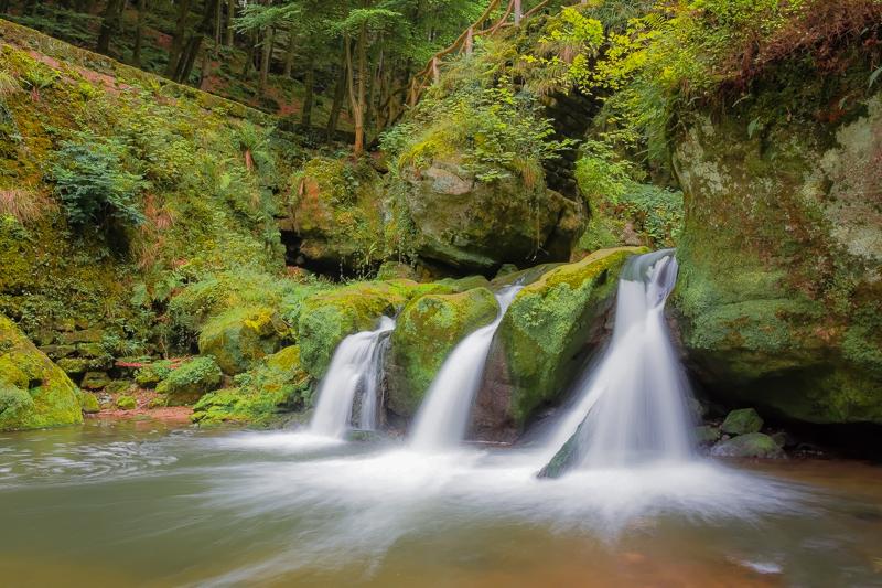 La cascade du Mullerthal  Leguis10