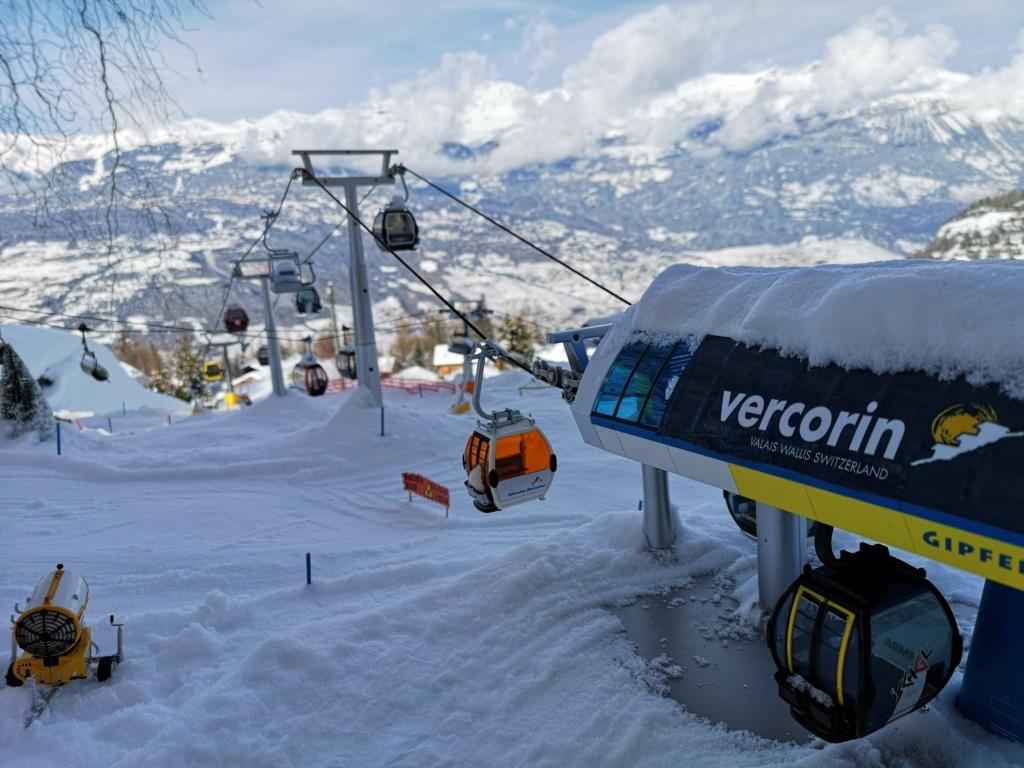 Station de ski miniature en Suisse - Page 5 Img_2031