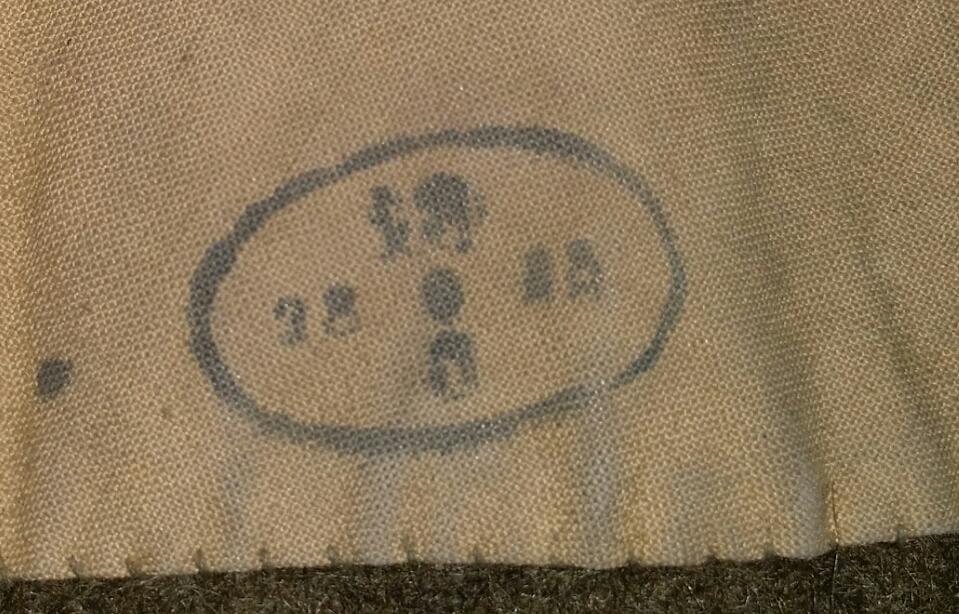 Manteau à capuchon modèle 35 2019-043