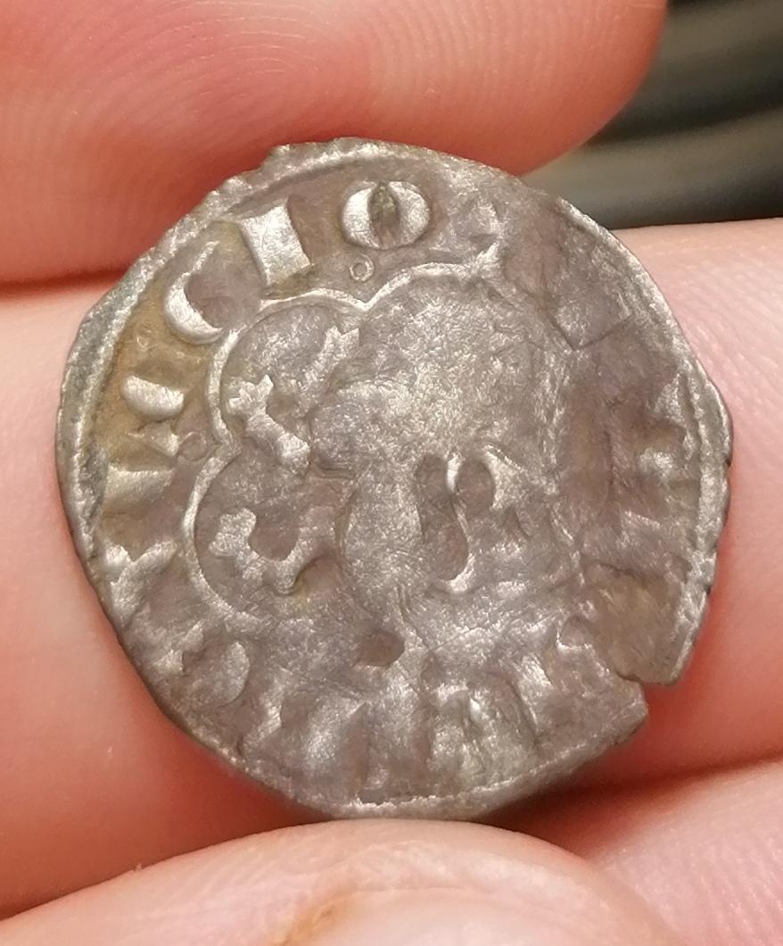 Dinero de Alfonso XI. Sevilla (Sitio de Algeciras) Img_2067