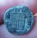 AE3 de Constancio II. PROVIDENTIAE CAESS. Puerta de campamento. Kyzicus Img_2045
