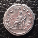 Antoniniano de Otacilia Severa. CONCORDIA AVGG. Concordia sedente a izq. Roma. Img_2078