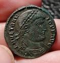 Maiorina de Vetranión. CONCORDIA MILITVM. Emperador con lábaros. Tesalónica Img_2081