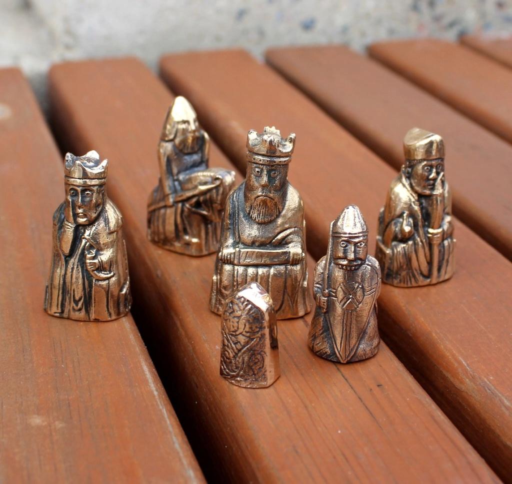 Шахматные фигуры с острова Льюис Blpvtu10