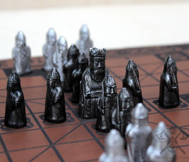 Шахматные фигуры с острова Льюис Img_8610