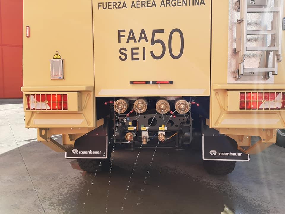 Nuevos camiones hidrantes para el servicio de Contraincendio Faa320
