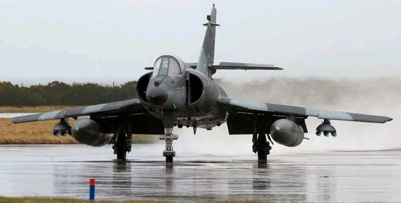 Novedades Dassault-Breguet Super Etendard Modernisé SEM5 del COAN - Página 27 Sem10