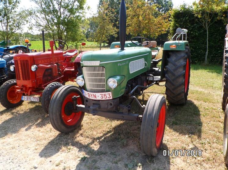 """* """"Les Tracteurs anciens (agricole)"""" - Page 2 Sam_4729"""