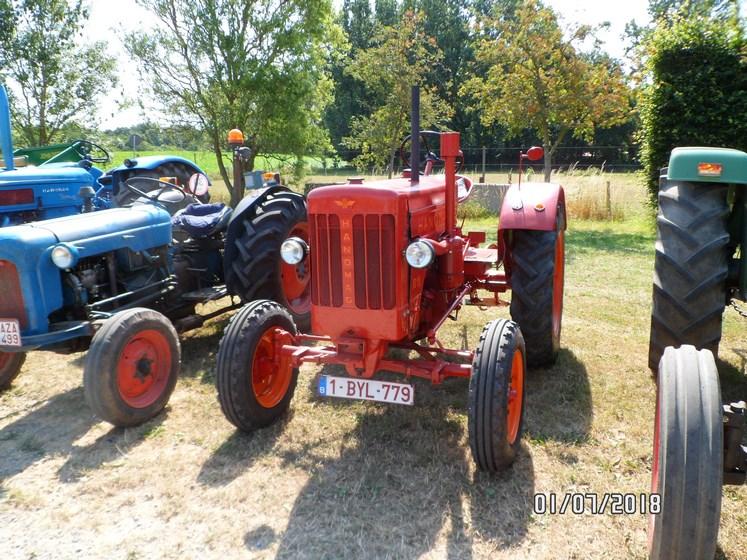 """* """"Les Tracteurs anciens (agricole)"""" - Page 2 Sam_4730"""