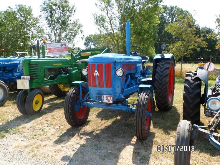 """* """"Les Tracteurs anciens (agricole)"""" - Page 2 Sam_4732"""