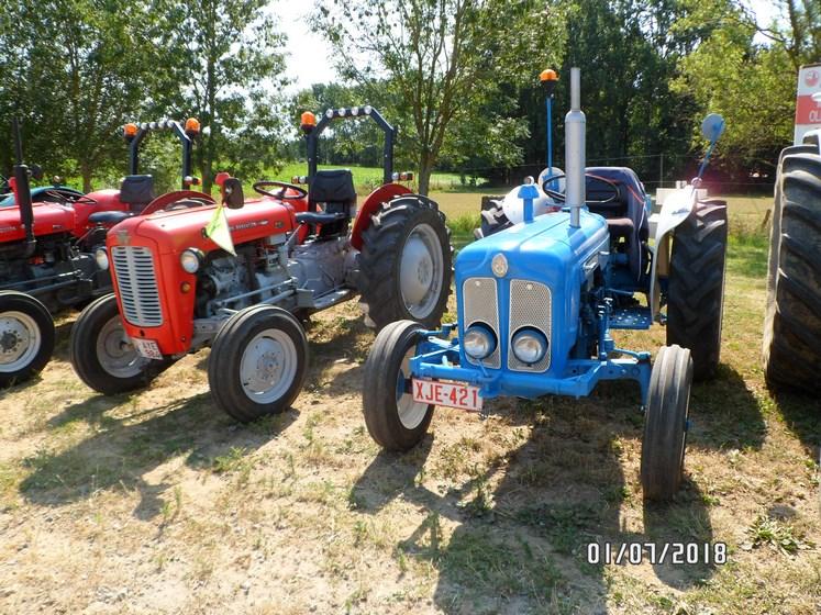 """* """"Les Tracteurs anciens (agricole)"""" - Page 2 Sam_4817"""