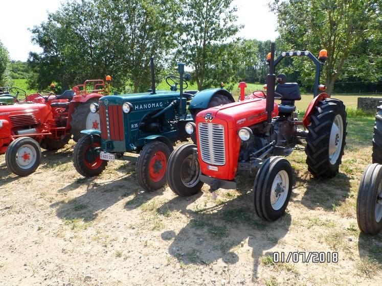 """* """"Les Tracteurs anciens (agricole)"""" - Page 2 Sam_4818"""