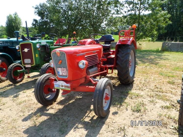 """* """"Les Tracteurs anciens (agricole)"""" - Page 2 Sam_4820"""
