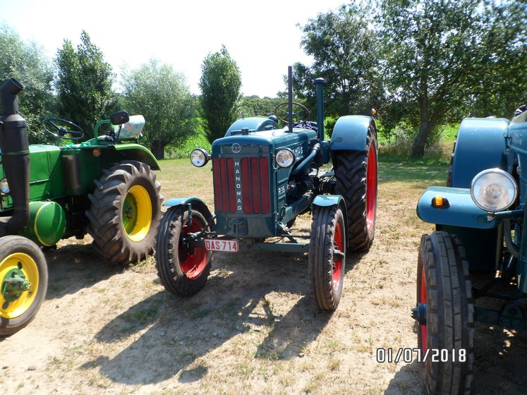"""* """"Les Tracteurs anciens (agricole)"""" - Page 2 Sam_4829"""