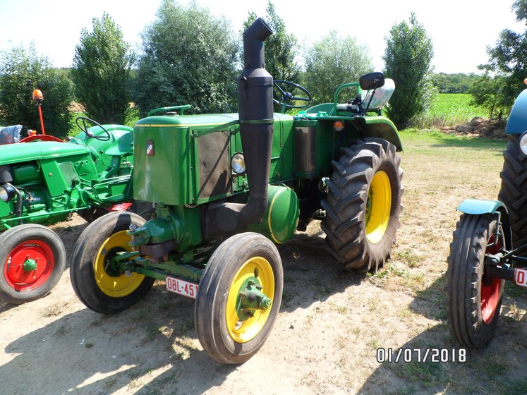 """* """"Les Tracteurs anciens (agricole)"""" - Page 2 Sam_4832"""