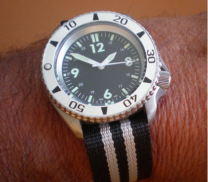 La montre du vendredi, le TGIF watch! - Page 31 Screen11