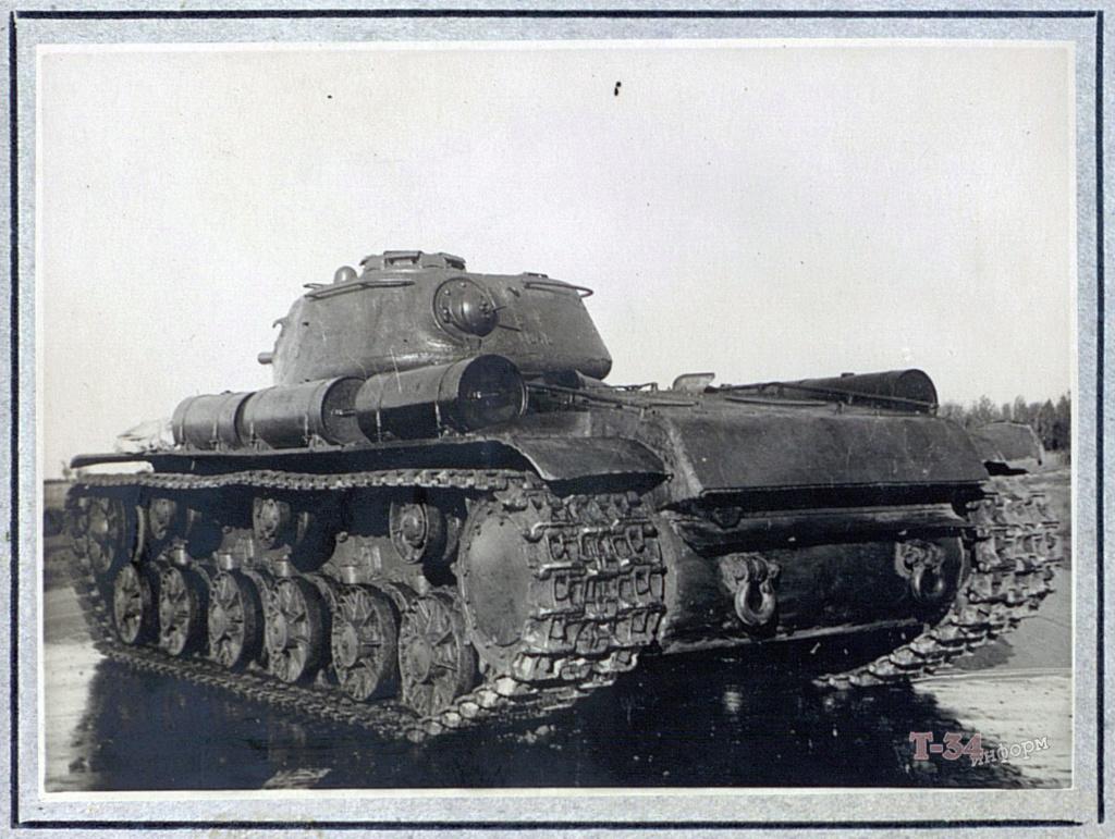 КВ-8 - тяжёлый огнемётный танк 00-yak33