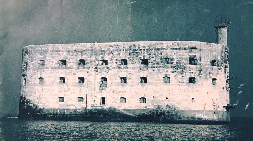 Photos anciennes du Fort Boyard - Page 2 23561610