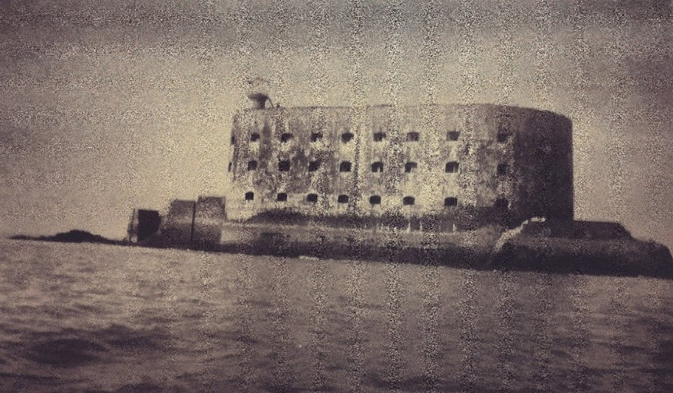 Photos anciennes du Fort Boyard - Page 2 54388210