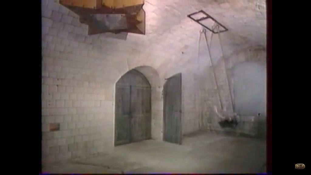 Porte de la cellule de la Balançoire (1990-1992) Captur98