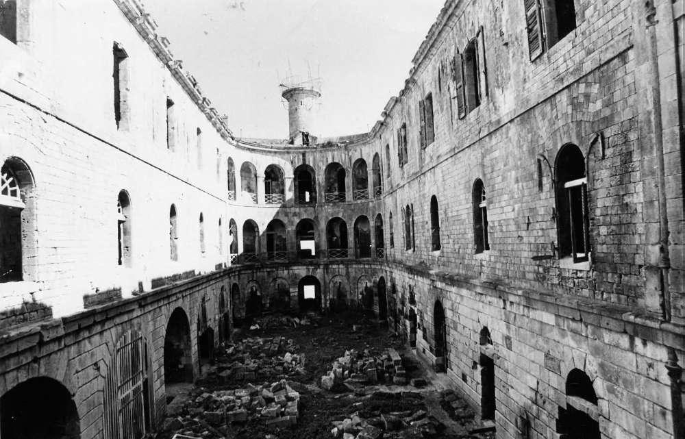 Photos anciennes du Fort Boyard L-etat10