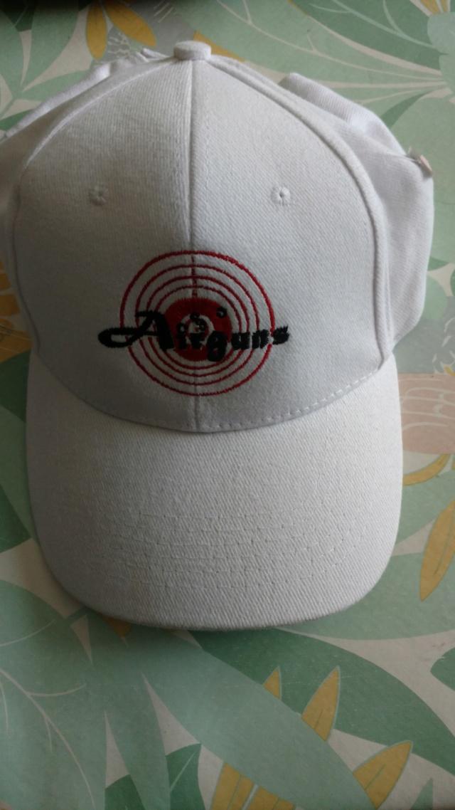 commande groupée de tee short et casquette? Img_2048