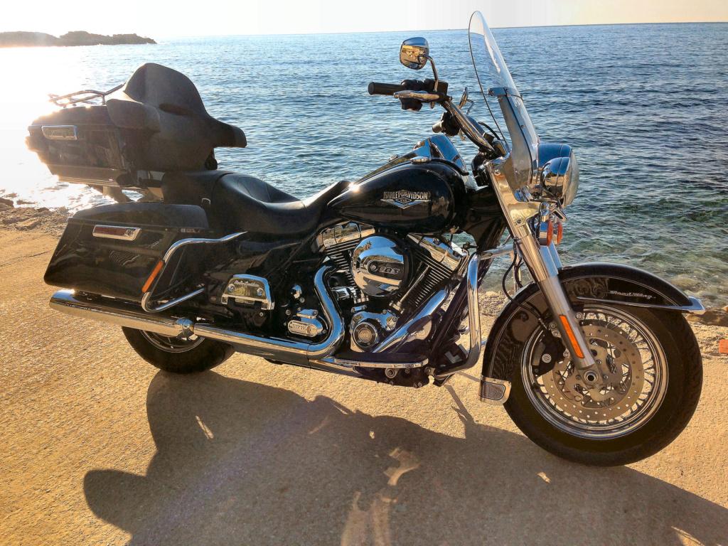 Road King uniquement, combien sur Passion-Harley  - Page 16 Img_0512