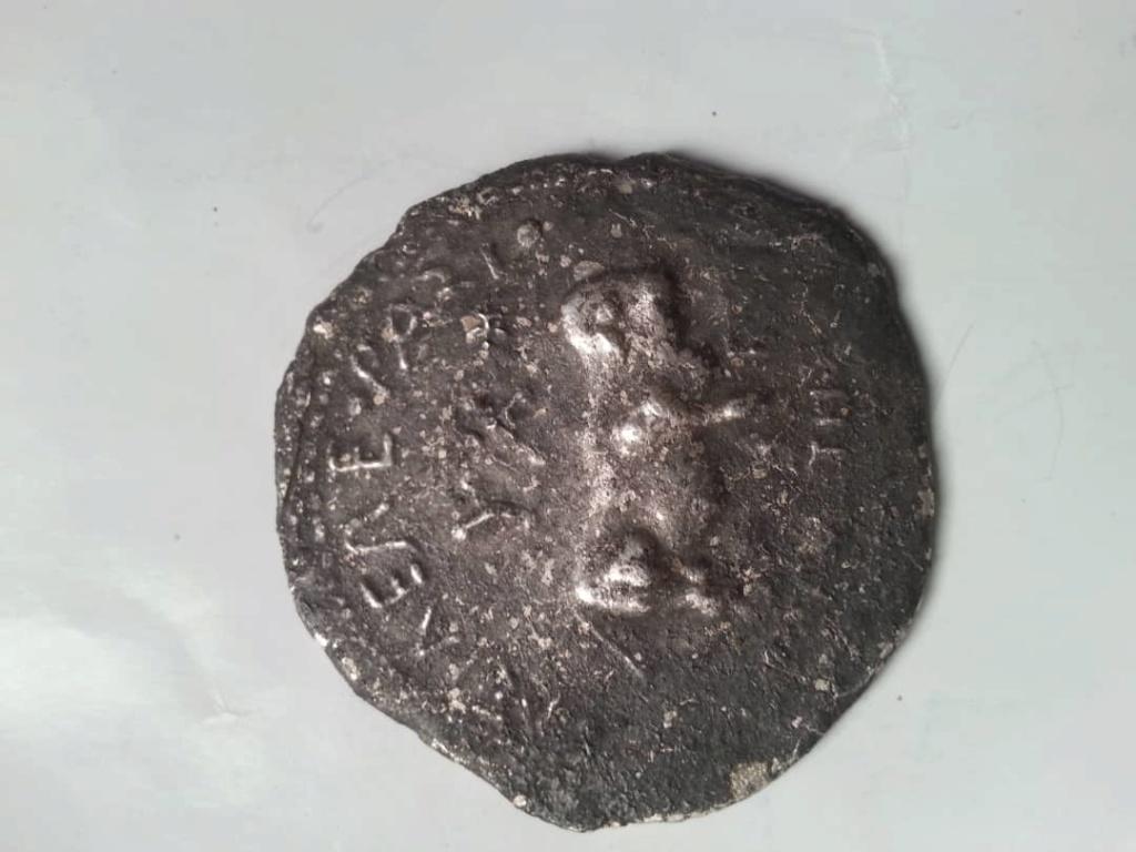 عملة اثرية مجهولة اريد معرفة اي شيء عنها وماهي القيمة التاريخية والاثرية لهذه القطعة  Img-2030
