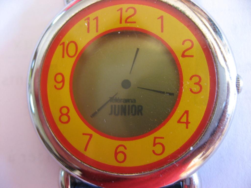 quelles montres à quartz avec pseudo aiguilles flottantes Img_0323