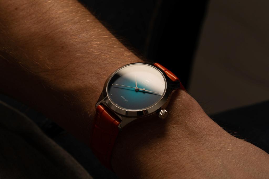 Quelle est la montre que vous avez le plus portée en 2019 ? - Page 2 41581510