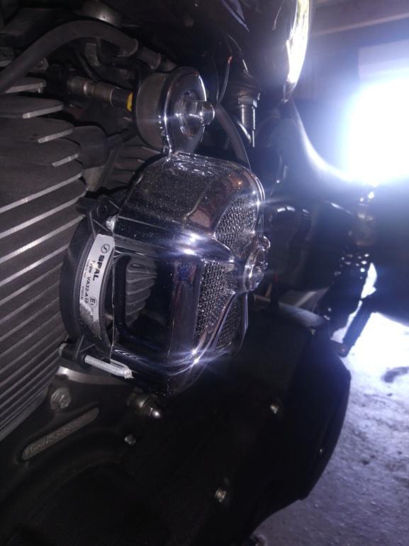 Petite coustomisation Dyna Super Glide Sport (ventilo+LED) Dsc_0628