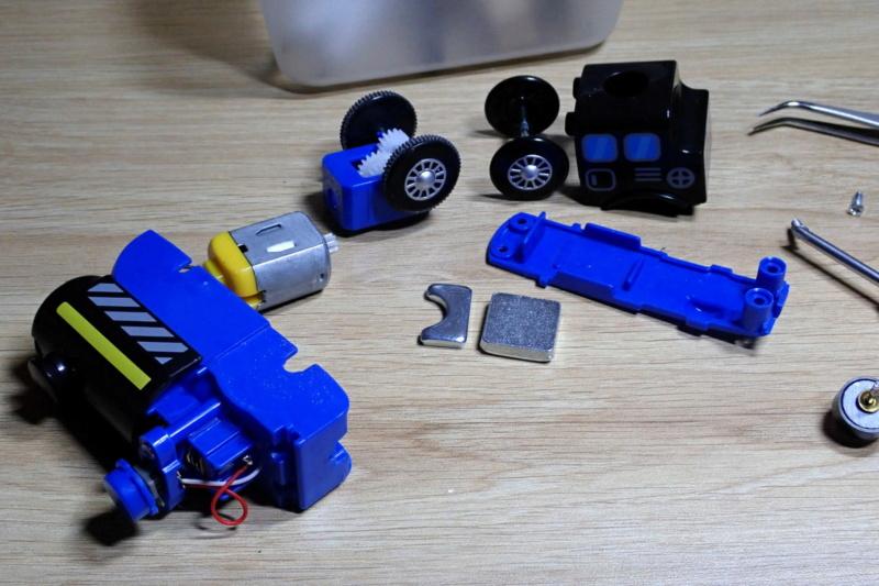 Loco « électrique » en 3D pour le train en bois BRIO - Page 2 0210