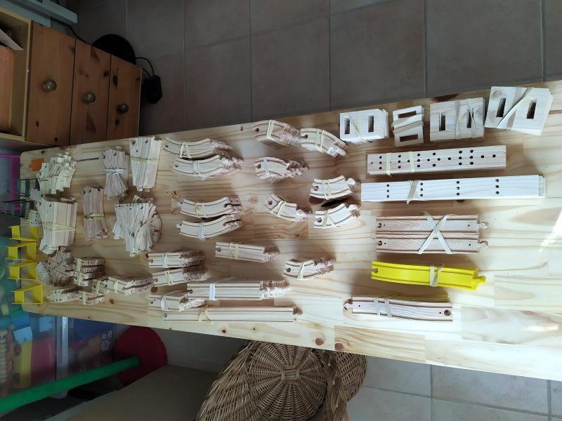 Loco « électrique » en 3D pour le train en bois BRIO - Page 2 16062311