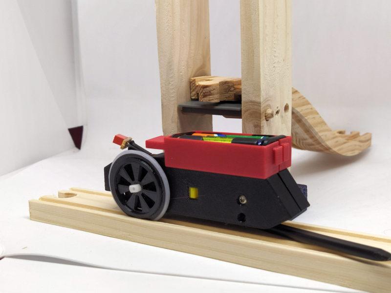 Loco « électrique » en 3D pour le train en bois BRIO - Page 2 16068410