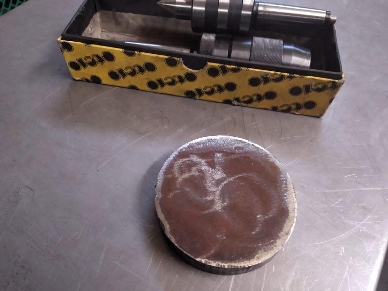Une galette pour un faux-plateau d'un porte-pinces ER Img_2030