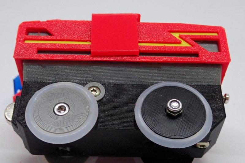 Loco « électrique » en 3D pour le train en bois BRIO - Page 5 Pc242111