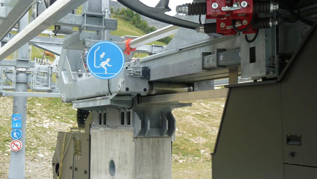 Télésiège fixe 4 places (TSF4) Sapins, la Mongie - LST P1080822