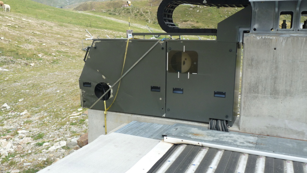 Télésiège fixe 4 places (TSF4) Sapins, la Mongie - LST P1080824