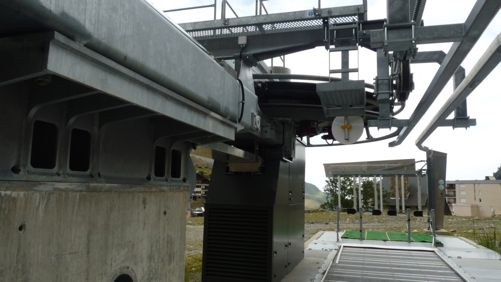 Télésiège fixe 4 places (TSF4) Sapins, la Mongie - LST P1080825