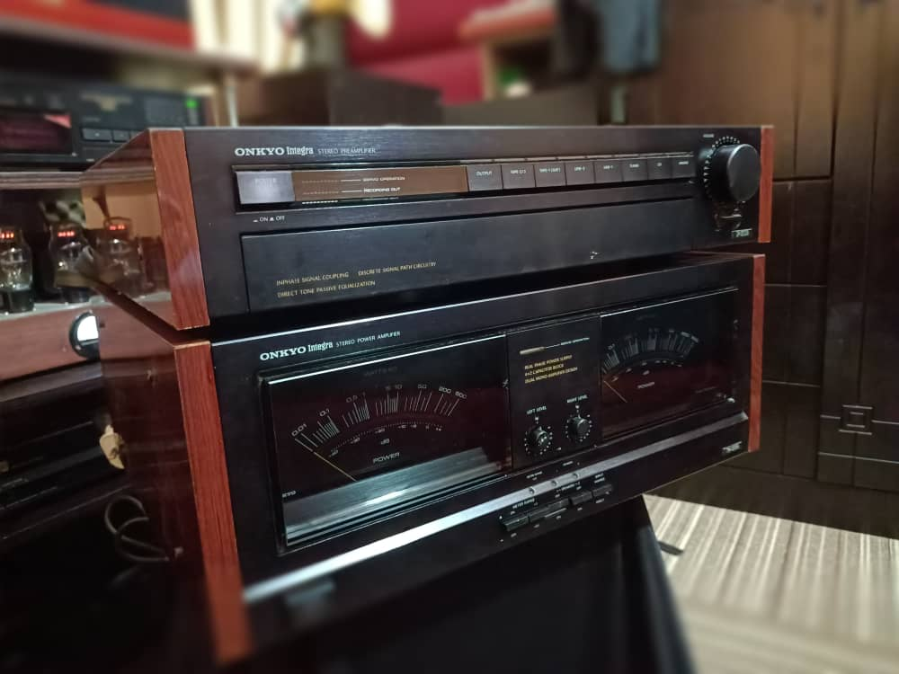 Onkyo Integra Pre & Power Amplifier Img-2010