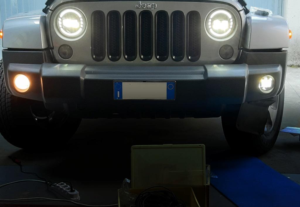 Fendinebbia LED installati su Wrangler JK III Serie Foglit10