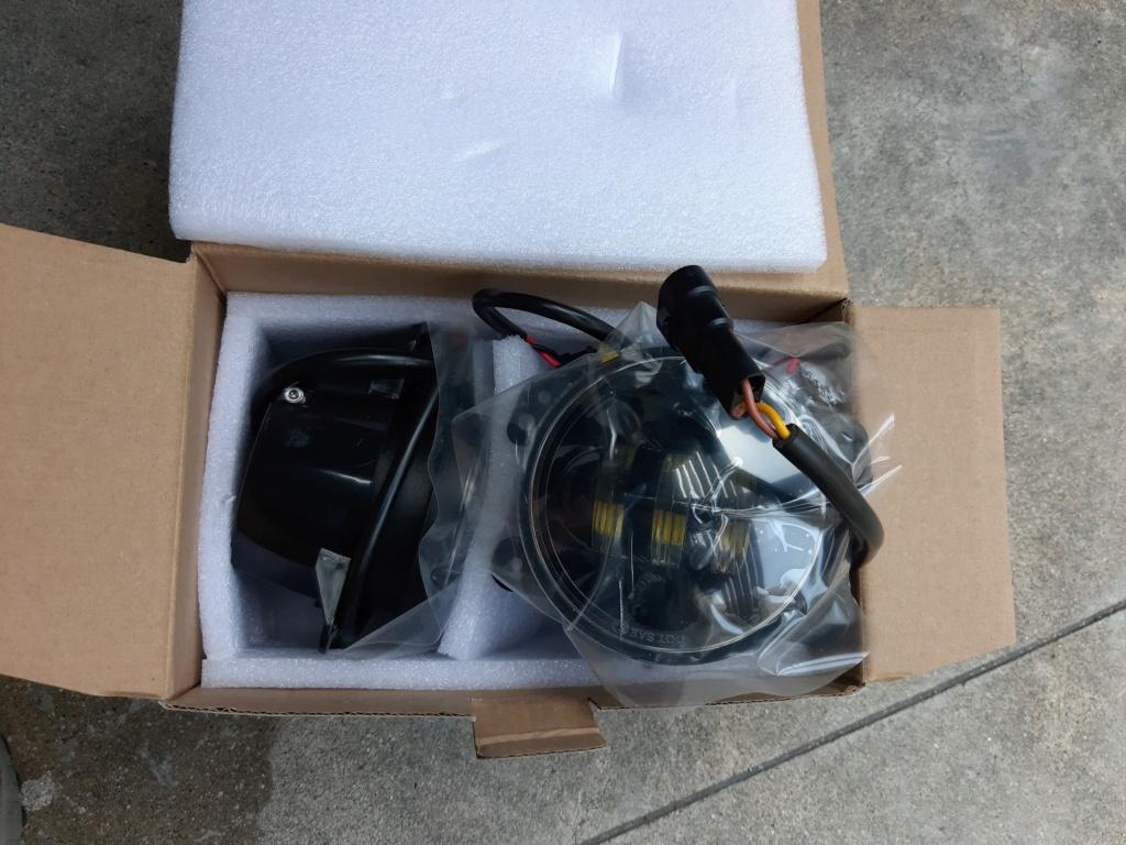 Fendinebbia LED installati su Wrangler JK III Serie New10