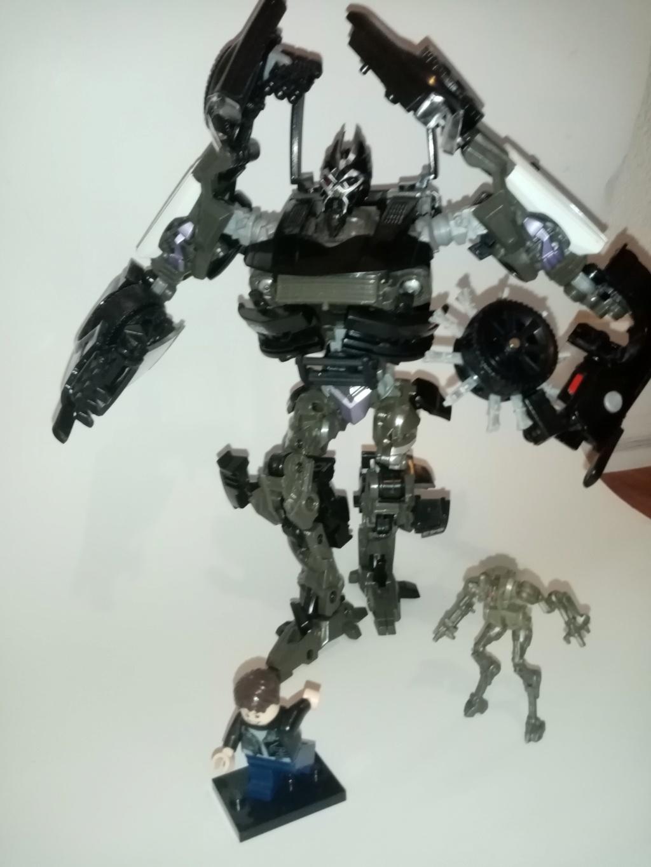 Vos montages photos Transformers ― Vos Batailles/Guerres | Humoristiques | Vos modes Stealth Force | etc - Page 16 Img_2034