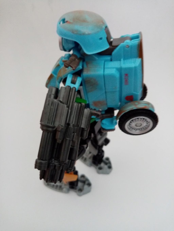 Vos montages photos Transformers ― Vos Batailles/Guerres | Humoristiques | Vos modes Stealth Force | etc - Page 16 Img_2048