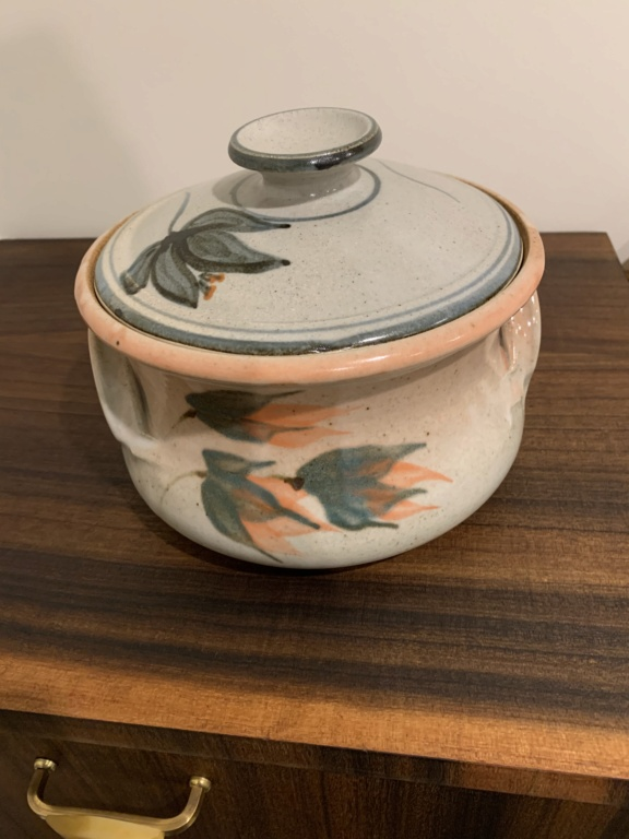 Pottery mark M  Fb092610