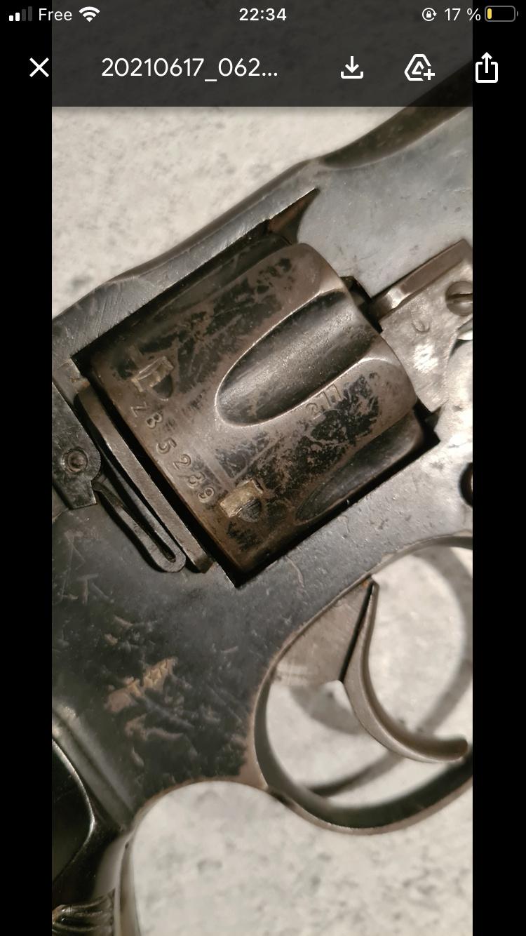 Revolver anglais 28cal Ca5e2f10
