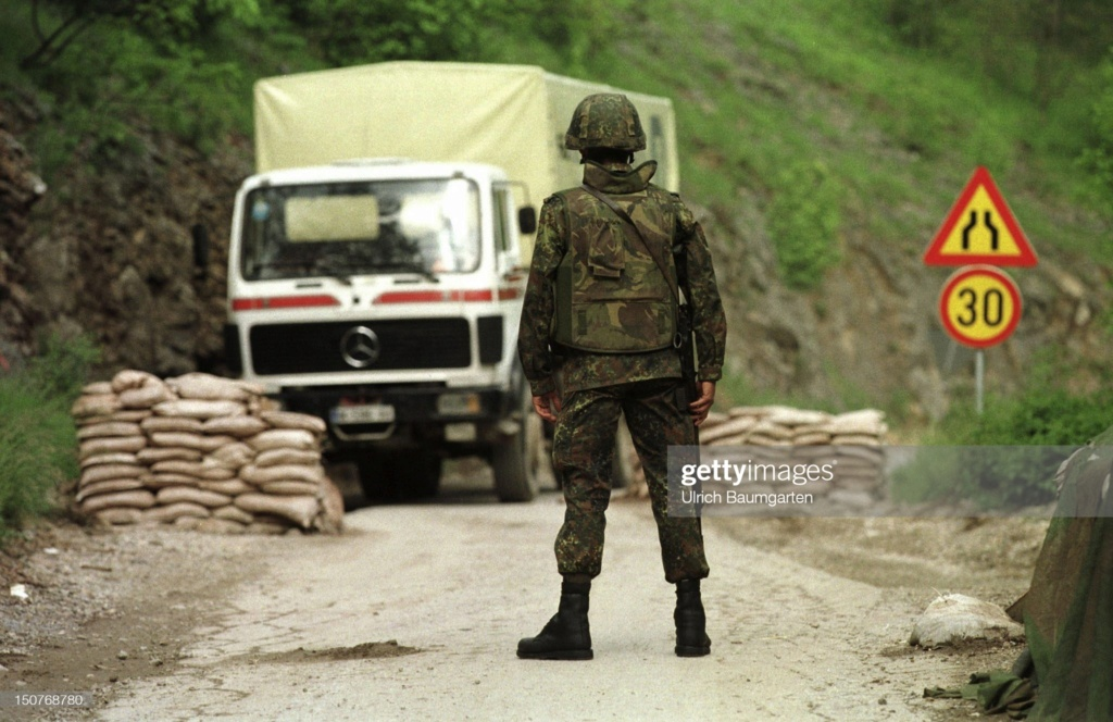 British (German contract) Bristol body armor (refpics wanted) Gettyi12
