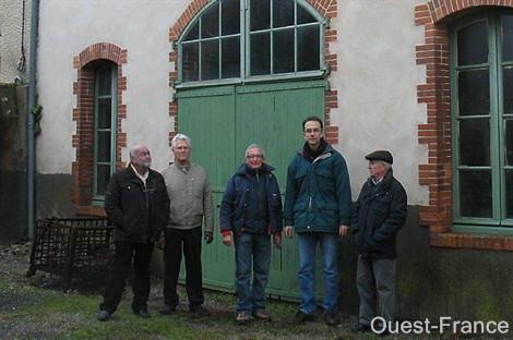 Actu : Une nouvelle association de passionnés d'horlogerie - Tiffauges Lr57_210
